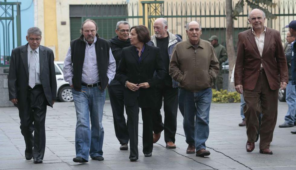 Integrantes del colectivo Ciudadanos por el Cambio se hicieron presentes en el velorio. (César Fajardo)