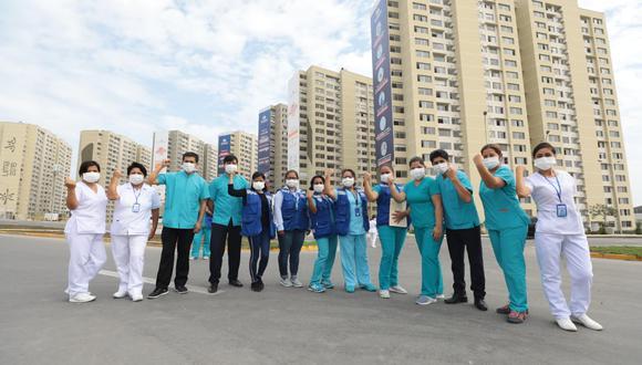 La titular de EsSalud informó que actualmente en la Villa Panamericana están hospitalizados 822 pacientes en dos torres y con la ampliación de otras dos torres se podrá atender a 1.800 pacientes. (Foto EsSalud)