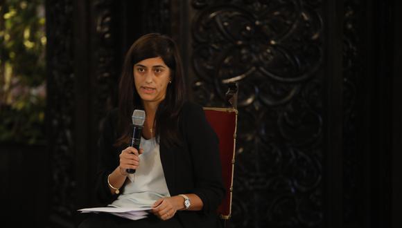 La ministra afirmó que una posible ampliación de los bonos se encuentran en permanente evaluación. (Foto: José Rojas / GEC)