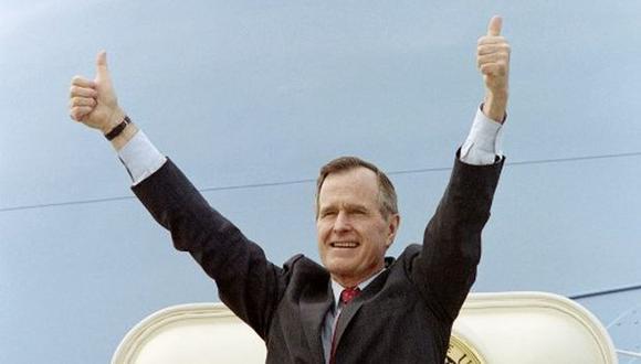 """Se le llamó """"Bush padre"""" tras la elección de su hijo George como presidente. (Foto: AFP)"""