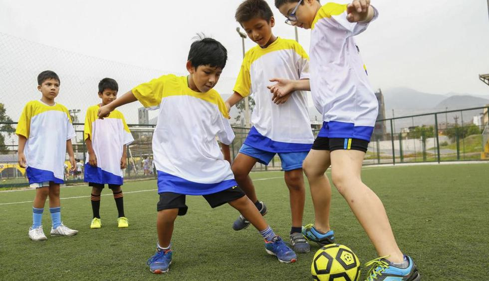 ¿Cómo proteger a los niños de las radiaciones solares en este verano? (LigaContraElCáncer)