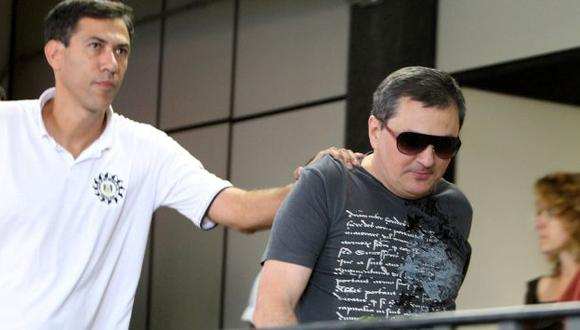 SE ENTREGÓ. Mauro Hoffmann (der.), uno de los propietarios de la discoteca Kiss de Santa María. (AP)