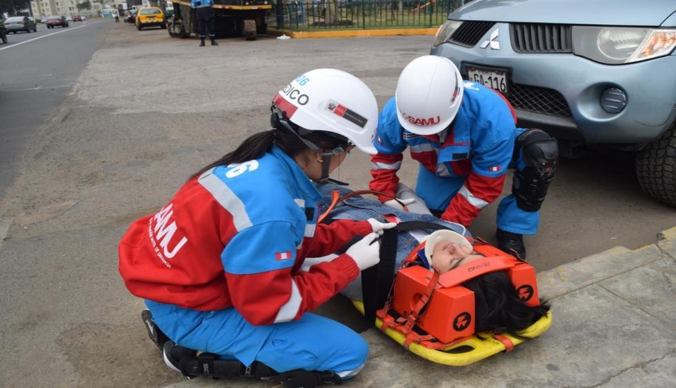 Personal del Samu llega rápidamente para atender a los heridos. (Foto: Difusión)