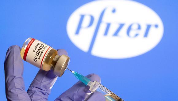 Hoy llegará el primer lote de vacunas Pfizer que el gobierno peruano ha negociado directamente con este laboratorio (Reuters).
