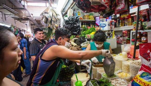 Las medidas dictadas por la Municipalidad de Lima buscan detener los contagios de COVID-19 en los mercados. (Foto: GEC)