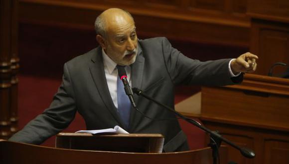 Parece que el ministro Eledoro Mayorga confía mucho en quienes favorecieron a Interoil. (Martín Pauca)