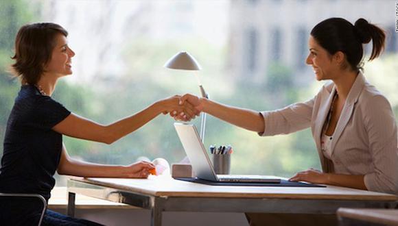 A diferencia del sector privado, en el Estado, la presencia de la mujer ha crecido con mayor relevancia. Según Servir, tres o cuatro de cada diez funcionarios y directivos es mujer.