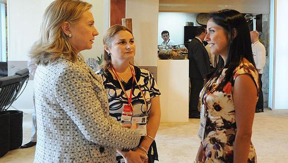Nadine Heredia sostuvo una reunión informal con Hillary Clinton. (Andina)