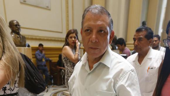 Mejor solo... Marco Arana tiene la inscripción de Tierra y Libertad en el JNE. (Mario Zapata)