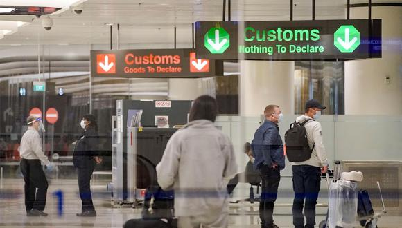 Singapur también restringió las llegadas desde India debido al aumento de casos de COVID-19. (Foto: Referencial / EFE / EPA / WALLACE WOON)