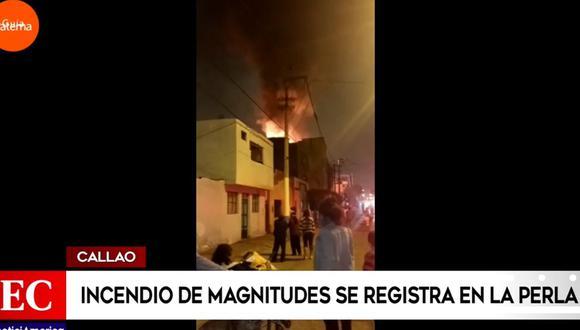 América Noticias señaló que el incendio se habría desatado por la explosión de un balón de gas.