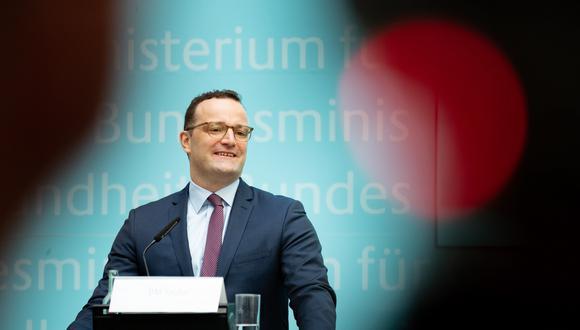"""""""Estoy a favor de una prohibición porque la homosexualidad no es una enfermedad y por lo tanto no necesita terapia"""", dijo el ministro de Sanidad, Jens Spahn"""