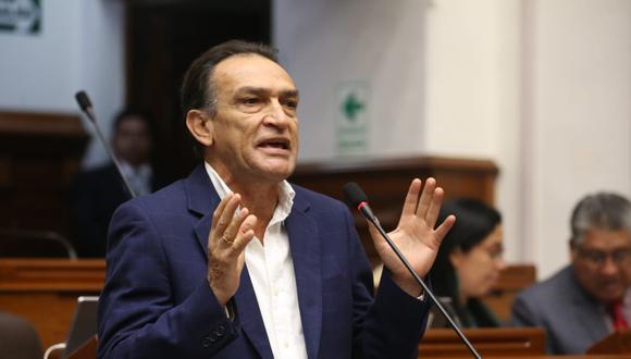 El congresista Héctor Becerril, de Fuerza Popular, también se mostró a favor del regreso de Kenji Fujimori al Parlamento. (Foto: Congreso)