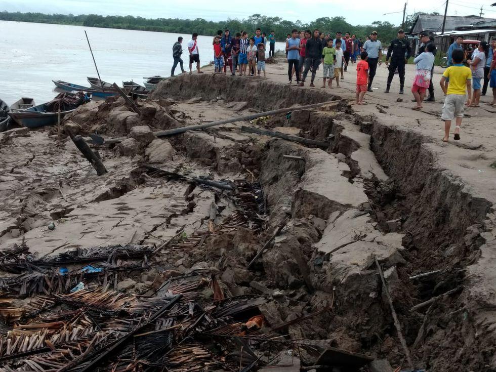 Terremoto en Loreto: Grietas, derrumbes y caos en orilla del río Huallaga (CableTV Lagunas)