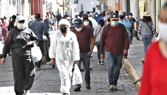 """""""La torpe reacción del Ejecutivo para mitigar el golpe económico causado por la pandemia dejó un saldo de 6.7 millones de peruanos desempleados""""."""