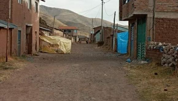 Puno: agentes de la comisaría de Ayaviri llegaron hasta el inmueble y comprobaron que el cuerpo de Chapi Cajavilca se encontraba con heridas punzocortantes producto del ataque con cuchillo.