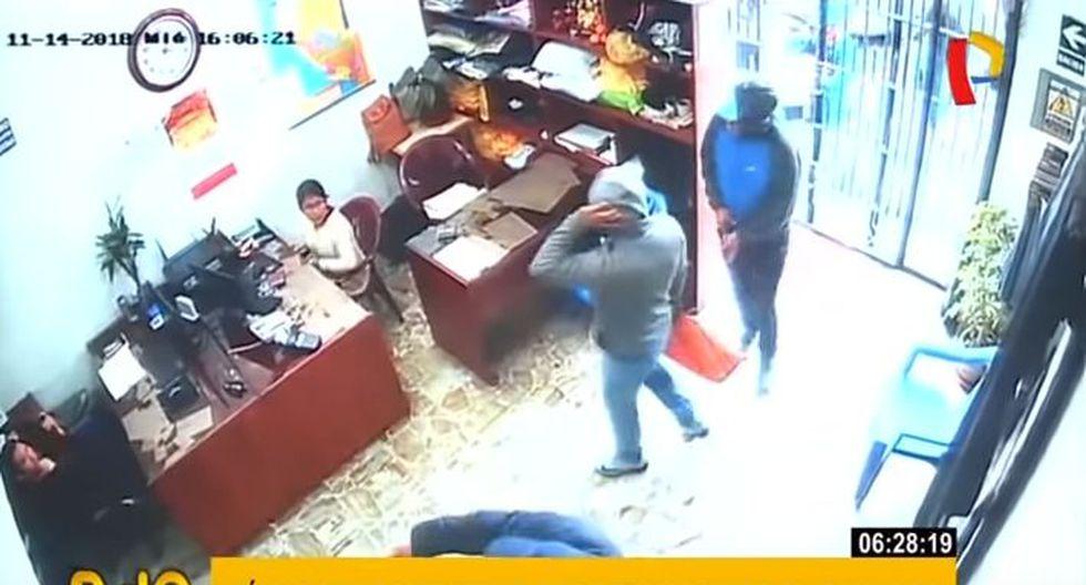 La Policía Nacional de la Comisaría de Apolo realiza las investigaciones correspondientes. (Foto: Captura/Buenos Días Perú)