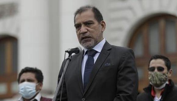 El ministro Luis Barranzuela pidió al abogado de Guillermo Bermejo, Ronald Atencio, que asuma su defensa. (Foto: Antonhy Niño de Guzmán)