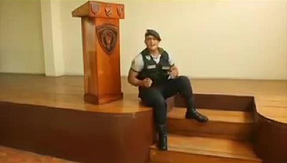 Trujillo: Policía canta 'El Preso' y manda mensaje para prevenir COVID-19