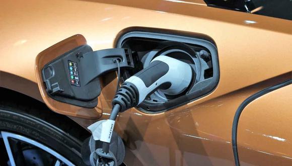 Según cifras de la Asociación Automotriz del Perú (AAP), hasta diciembre este 2020 se venderán poco más de 500 vehículos eléctricos, híbridos y semihíbridos. (Foto: Pixabay)