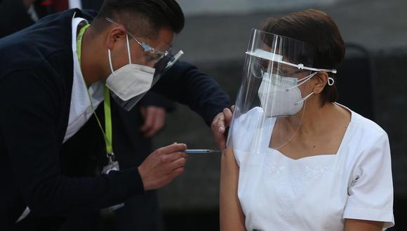 Cuenta regresiva. Un millón de vacunas de Sinopharm llegarán este mes al Perú. Cada persona deberá aplicarse dos dosis. (EFE)