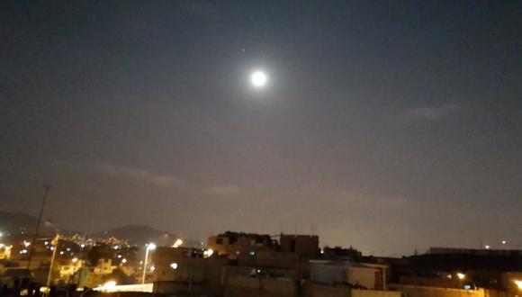 Limeños fueron testigos de la conjunción Luna - Marte (Foto: Twitter / @jl_damian)