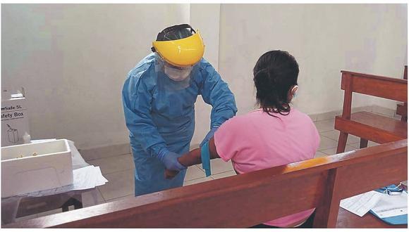 Hasta el último lunes, el Minsa informó que el número de casos positivos asciende a 282,365 y 9,504.