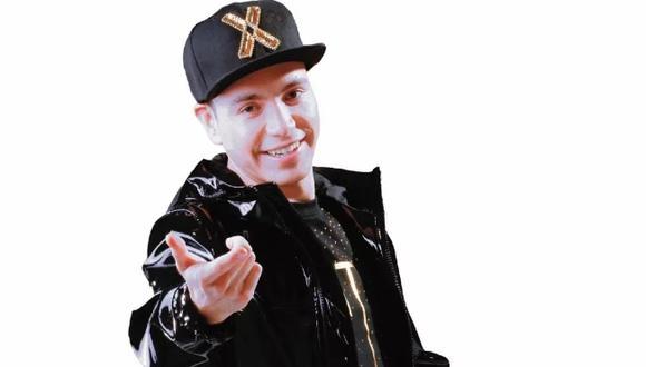 Edmundo Gómez Moreno es el nombre detrás de Raymix, el artista de electro cumbia que se convirtió en un gran emergente de la música latina (Foto: freepik)