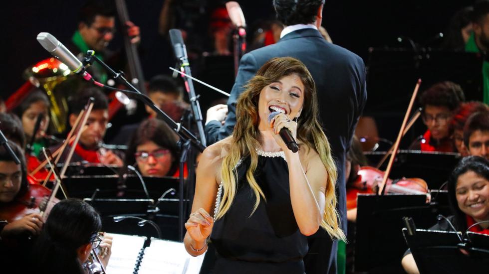 Eva Ayllon, Ezio Oliva y Anna Carina pusieron su voz en concierto junto a niños de 'Sinfonía por el Perú' [FOTOS]