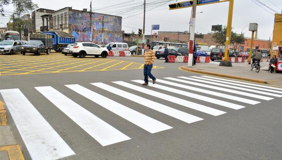 Municipalidad de Lima culminó el mantenimiento de pistas de la avenida Francisco Pizarro, en el Rímac.