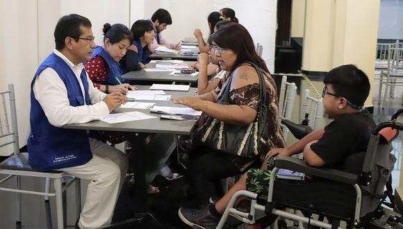 Marginados. Informe de la Defensoría revela que menos del 1% de colegios del país son accesibles. (Defensoría del Pueblo))