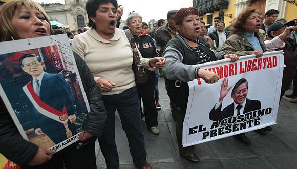 Seguidores del condenado expresidente durante una manifestación. (USI)