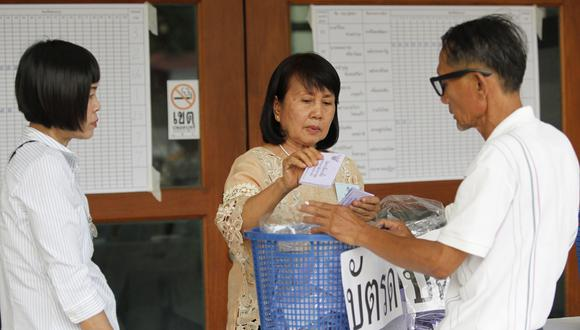 Con el 92 % del recuento oficial, el partido promilitar Phalang Pracharat ganó 7.5 millones de votos. (Foto: EFE)