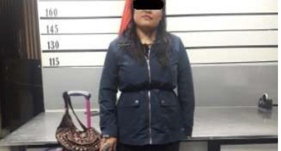Mujer fue detenida en el counter del terminal aéreo.