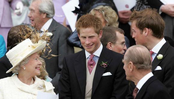 Enrique de Sussex y Felipe de Edimburgo en una foto del 2005. (Foto: AFP)