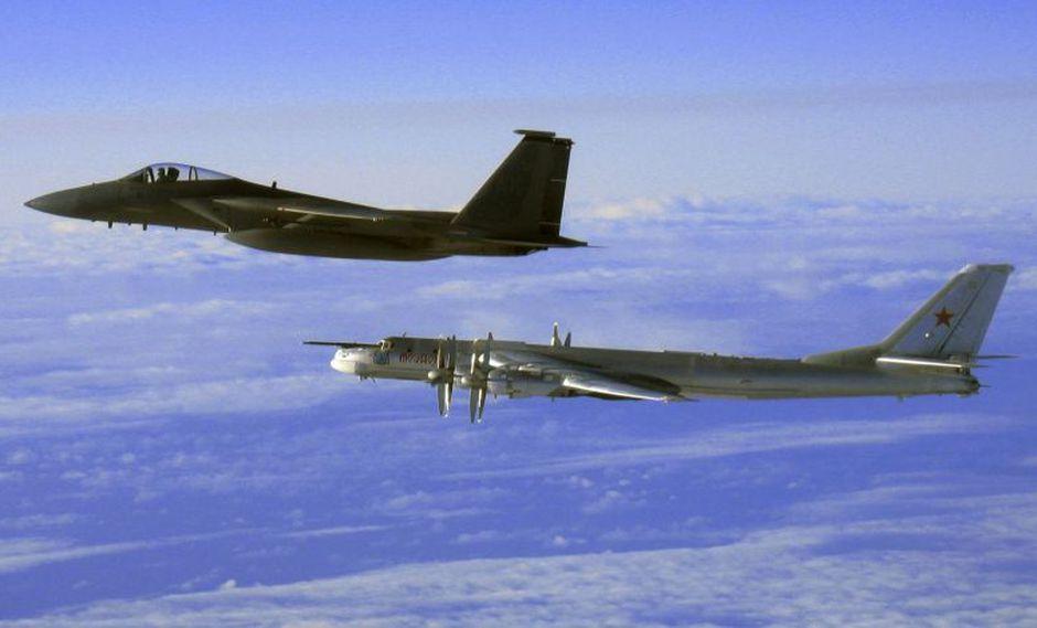 Cazas de Estados Unidos interceptan bombarderos rusos frente costa de Alaska. (AP)