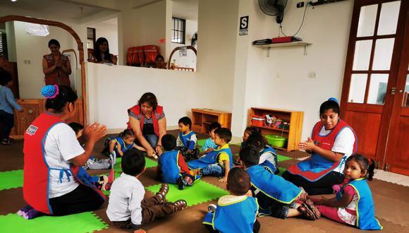 Cuna Más promueve en sus servicios de cuidado diurno y de acompañamiento a familias el apego seguro en la primera infancia a fin de garantizar niños felices y libres de violencia. (Foto: Midis)