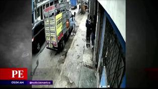 Hombre agarra a pedradas a dos delincuentes para evitar robo en San Juan de Miraflores