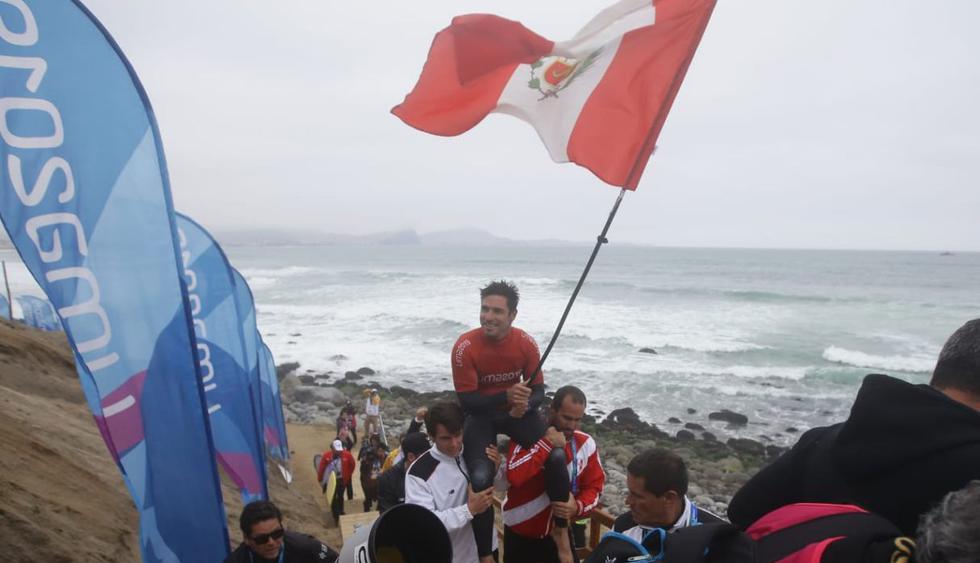 El público que acudió a Punta Rocas vivió  una fiesta junto a Benoit Clemente, que se impuso con un puntaje de 19.13 sobre 11.73 en la definición de la modalidad. (Fotos: Alessandro Currarino / GEC)