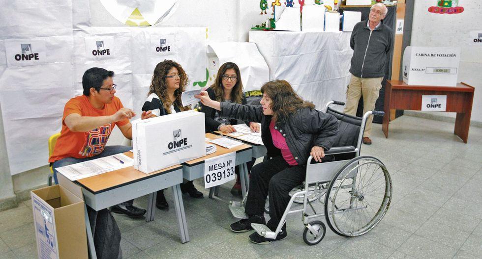 Alto número. Hasta el jueves, el número de indecisos representaba el 46% de los votantes. (USI)