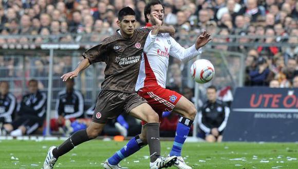 LO QUIEREN. Pese a que se recupera de una lesión, Zambrano está en la mira de varios clubes. (Reuters)