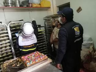 Villa El Salvador: Clausuran panadería que elaboraba turrones en espacio lleno de insectos