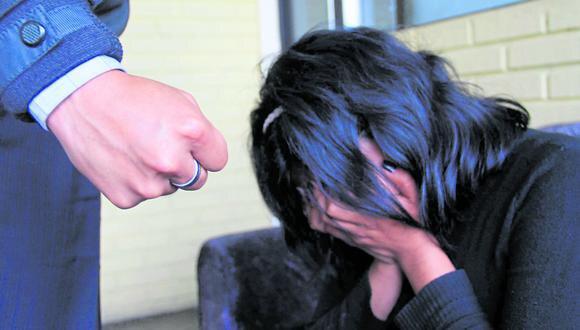 Junín: en la grabación se observa al agresor cuando le patea en todo el cuerpo a la menor y le propina 12 puñetazos. (Foto referencial)