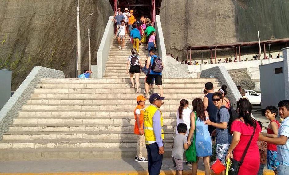 La Municipalidad de Lima desplegó personal en los puentes de la Costa Verde para evitar aglomeraciones. (Difusión)