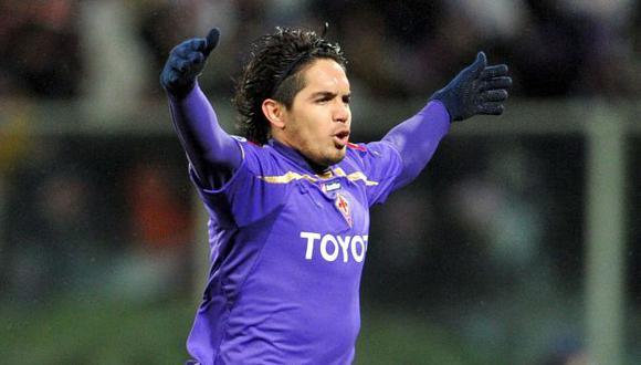 QUE LO APROVECHE. Vargas podría jugar hoy ante Villarreal. (EFE)