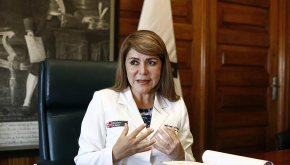 Elizabeth Hinostroza no va más. Martín Vizcarra anunció el cambio en la cartera de Salud. (Foto: Joel Alonzo /GEC)