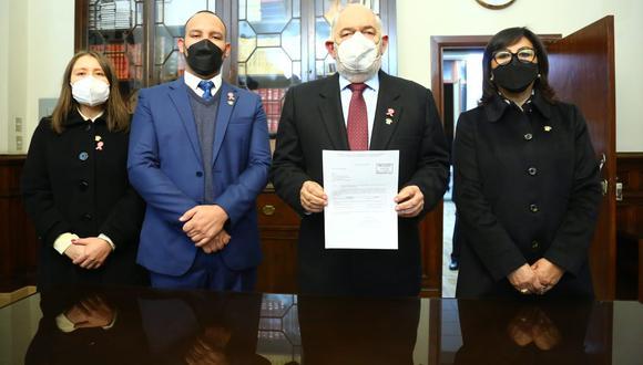 Lista conformada exclusivamente por congresistas de Renovación Popular es encabezada por Jorge Montoya. (Foto: Congreso)