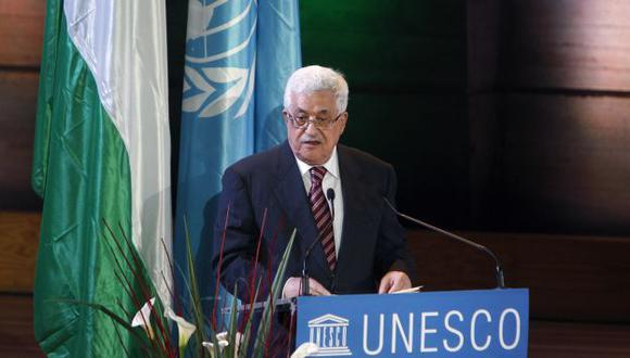 Abbas emocionado en París. (AP)