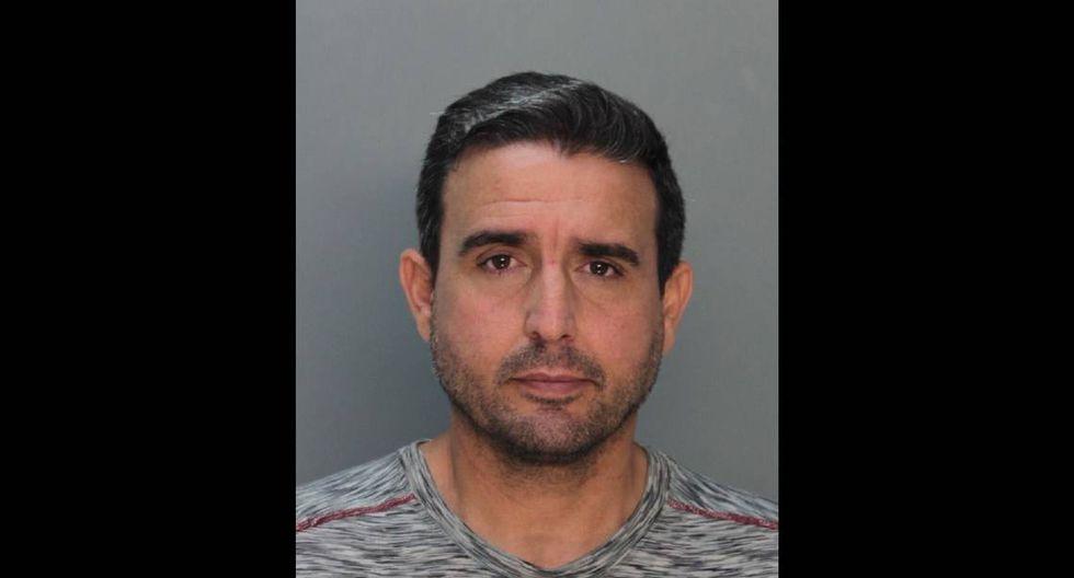 René Pedrosa, el conocido periodista y portavoz del alcalde de Miami, fue arrestado por acosar sexualmente a un menor de edad. (Miami-Dade Corrections)