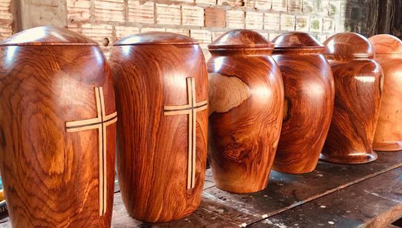 Los artesanos de Tarapoto y alrededores han dejado sus labores habituales y han comenzado a producir urnas para crematorios para sobrevivir. (Foto: Jane Artisans)